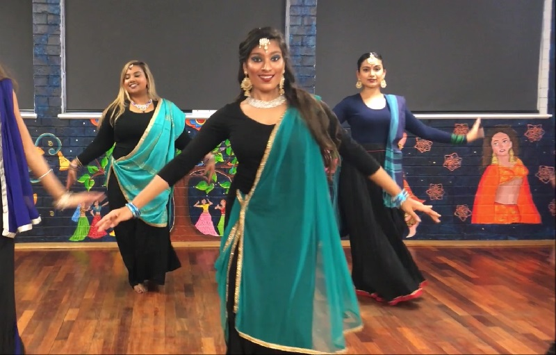 a8e2d665d88c One of the oldest Indian classical dance forms, Kathak is known for its  combination of subtle grace and fast paced footwork. Originating in North  India, ...